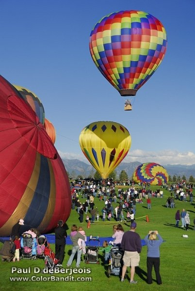 Crowds watch the Hot Air Balloons in Erie Colorado