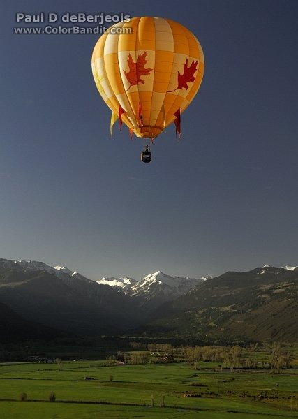 Gorgeous mountain views from maple leaf hot air balloon ride